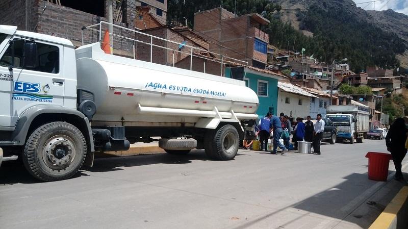 REPARTO DE AGUA EN SECTORES AFECTADOS